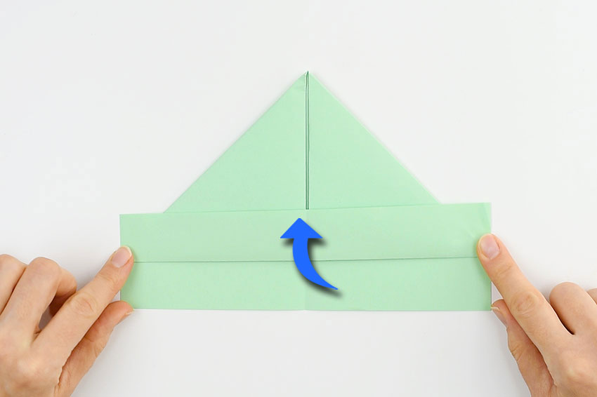 How to make a paper boat - step 4