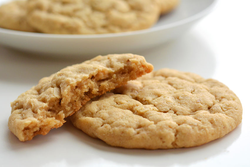 Healthy Peanut Butter Oatmeal Cookies