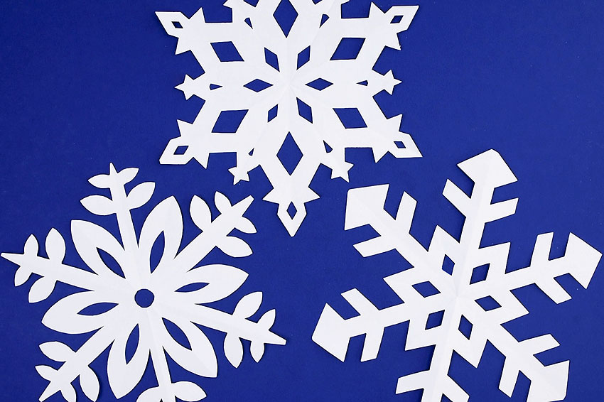 How to make snowflakes out of paper