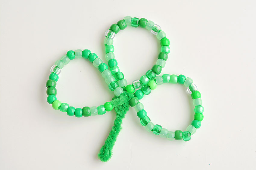 pipe cleaner shamrock with beads