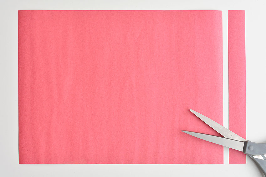 Paper Strip Rainbows - How to cut each strip.