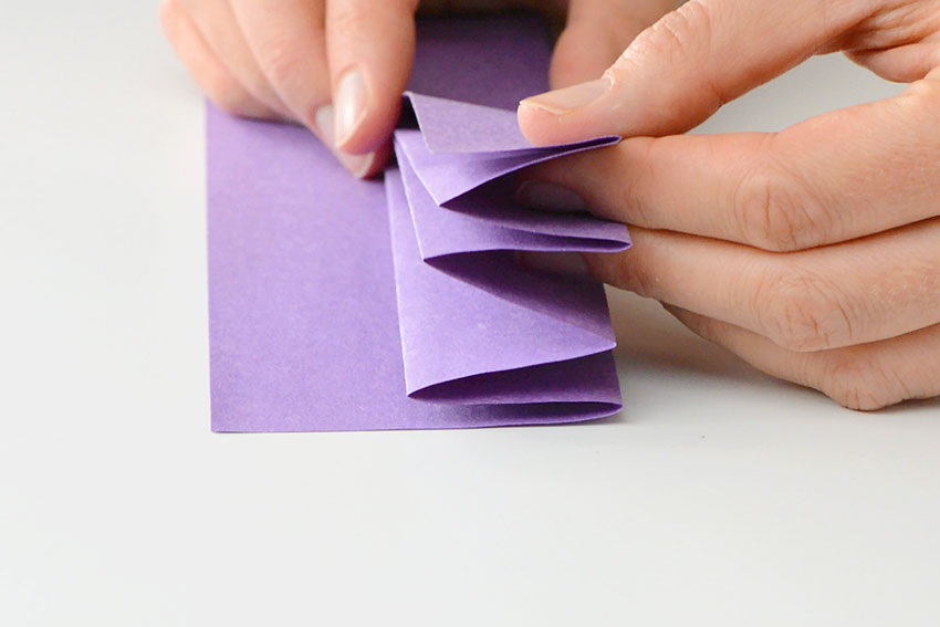 Paper Heart Flowers - Finding the edge with 4 folds.